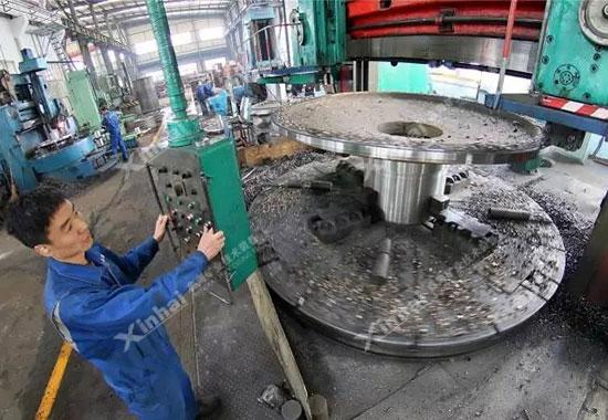 发往智利的选矿设备正在打包