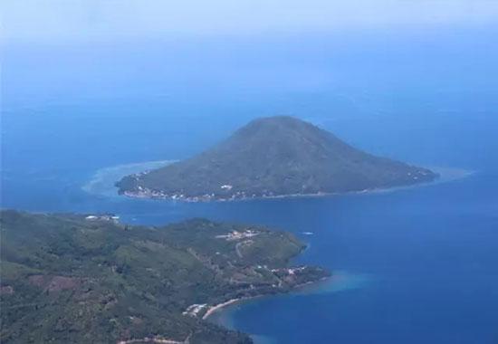 俯瞰印尼岛屿