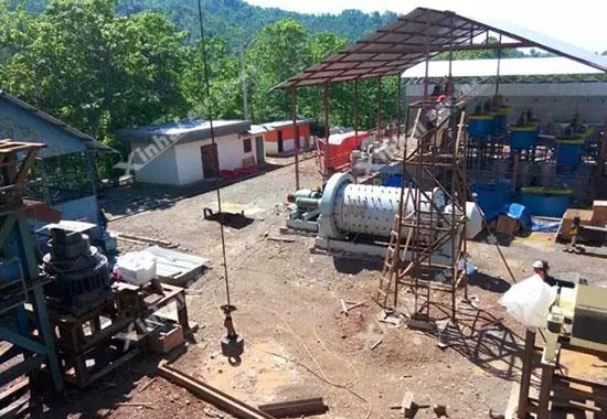 鑫海球磨机在印尼的安装现场
