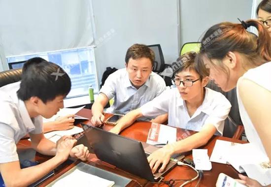 新人培训任务以小组形式展开